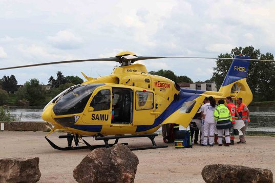 forum-secours-et-sante-2019-simulation-héliporté-pompier