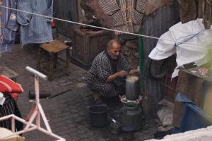 Marrakesh, auch im Hinterhof wird gekocht