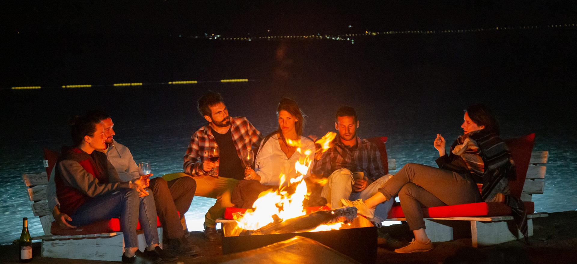 camping-fire-kalia-beach
