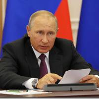 Путин настаивает на скорейшем начале строительства морского терминала под Калининградом