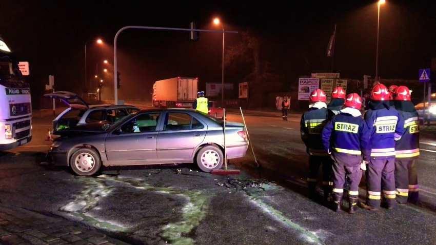 Wypadek naskrzyżowaniu ulic Warszawskiej zSikorskiego