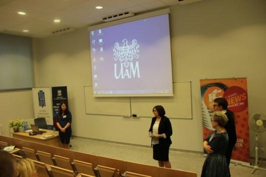 Zamknięcia konferencji dokonuje prof. Ewa Andrysiak z zespołem Organizacyjnym