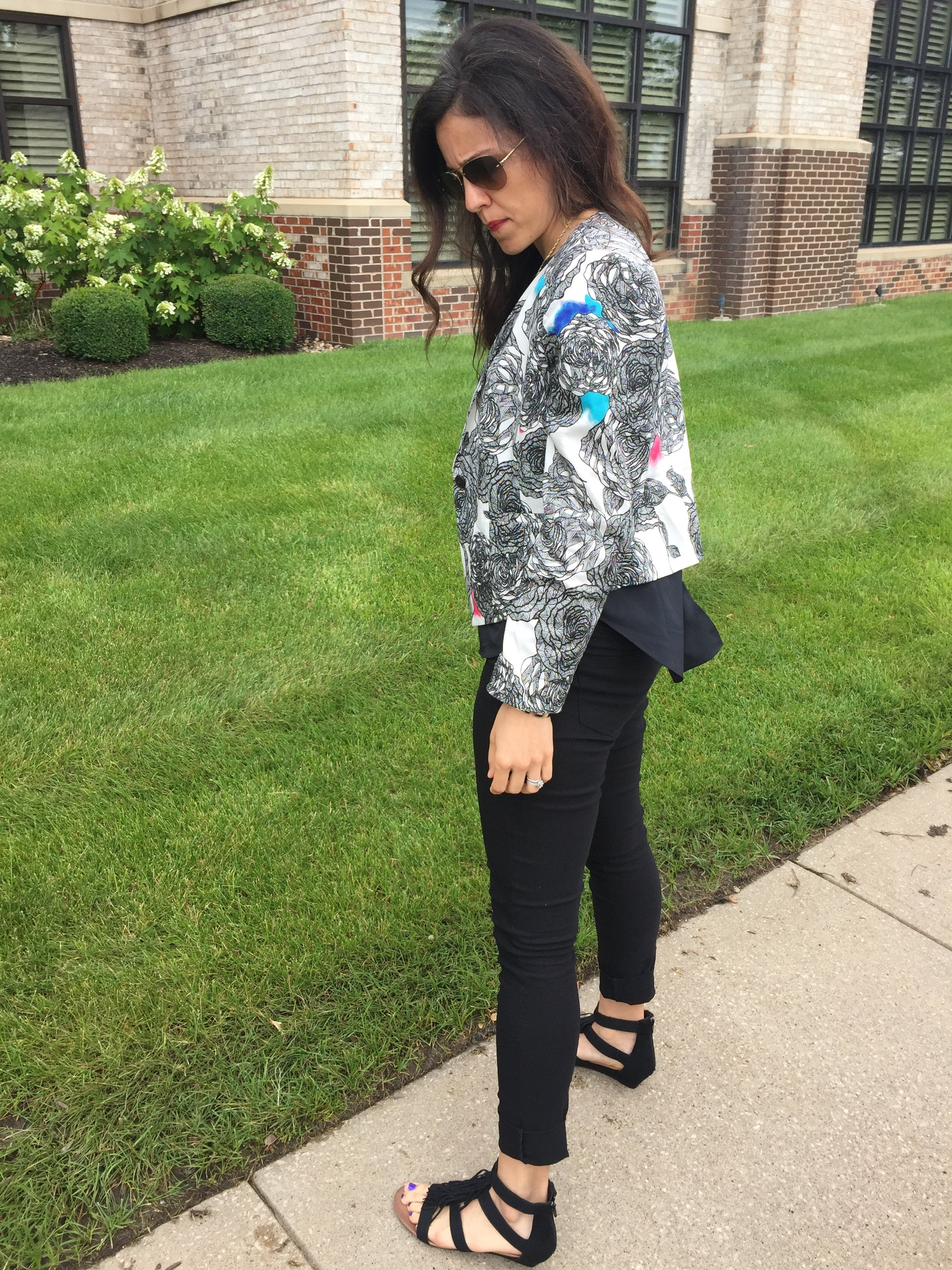 How to style a floral blazer | spring fashion tips | spring and summer style ideas | warm weather fashion | fringe shoes outfit