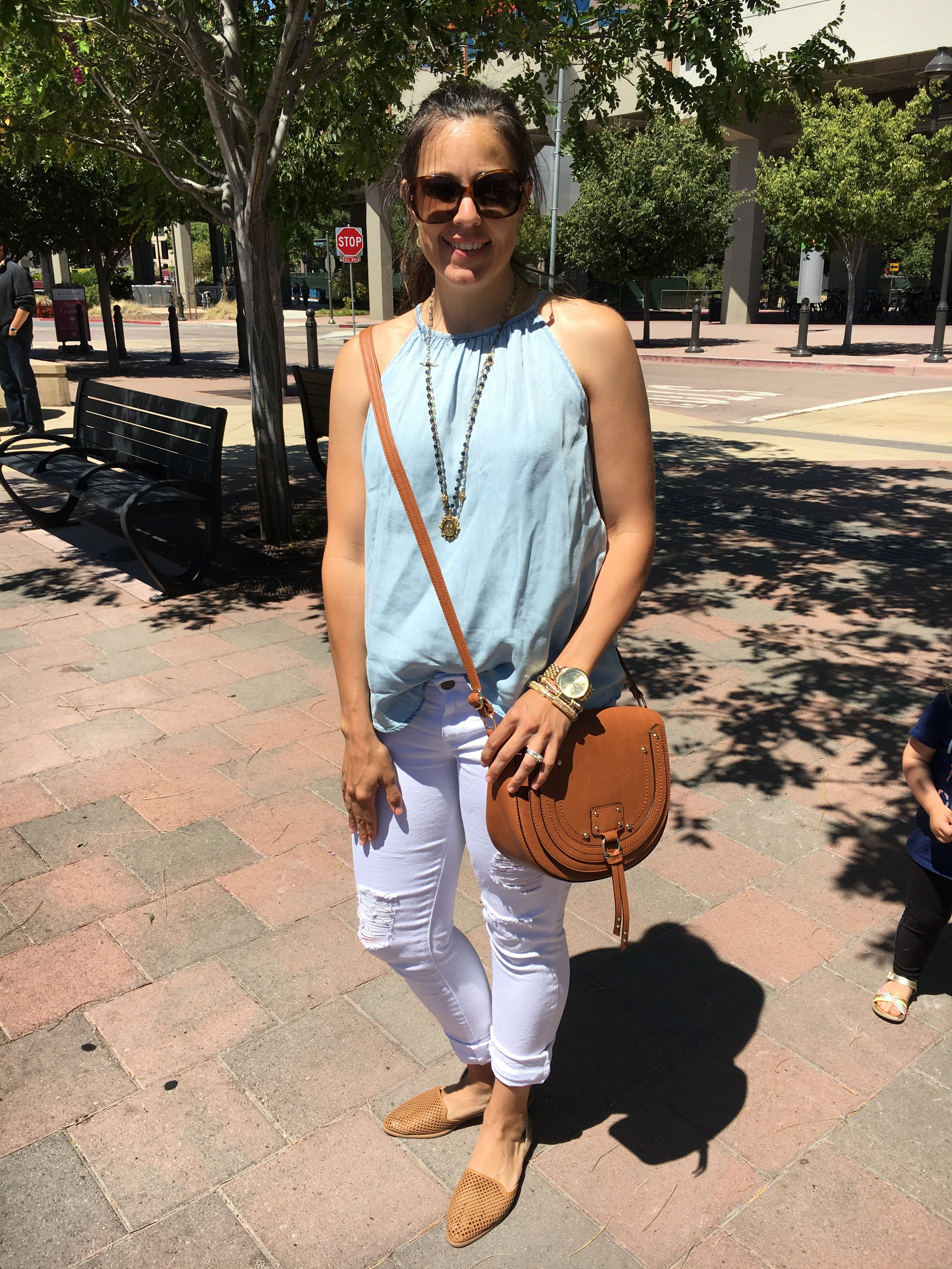 Ripped Denim | how to style a crossbody bag | white jeans | spring and summer style | spring fashion | warm weather fashion