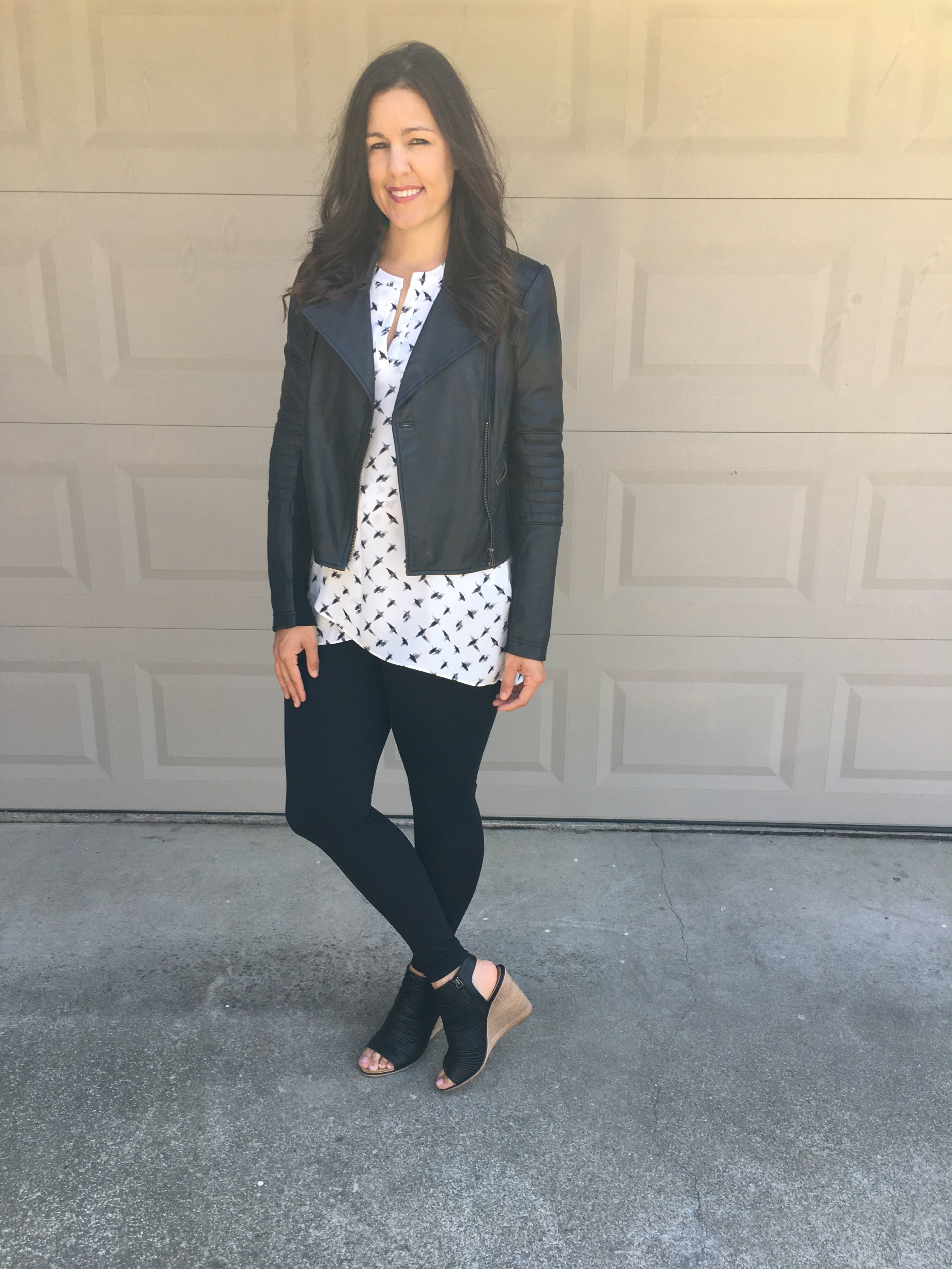 Black and White | how to style a leather jacket | fall style ideas | fall fashion tips | styling for fall and winter | cool weather fashion