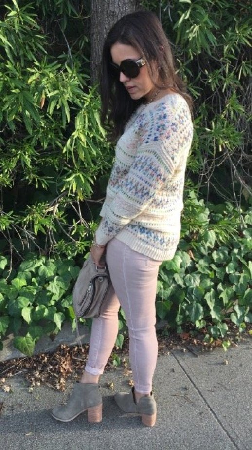 How to style pink jeans   fall and winter style ideas   winter fashion tips   cold weather fashion   styling booties