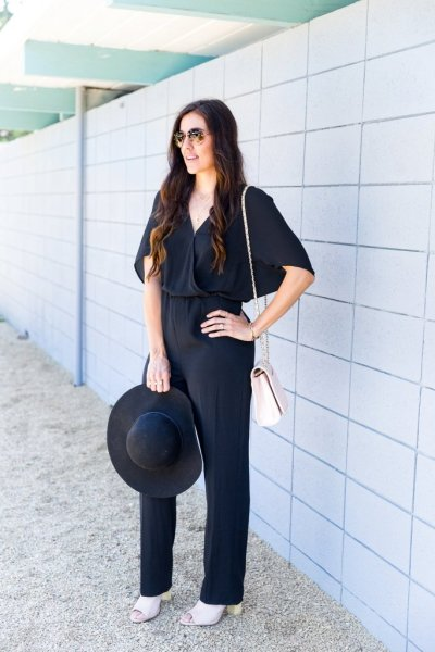 How to style a jumpsuit, tips for wearing a jumpsuit, how to buy a jumpsuit, jumpsuit for spring, black jumpsuit, tips for styling a jumpsuit,
