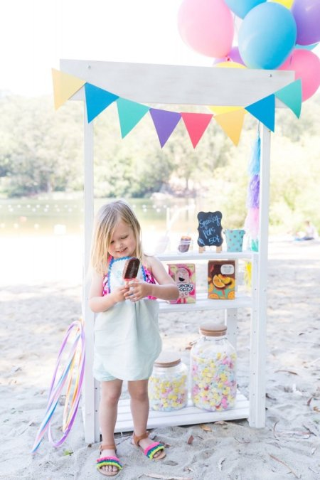 Ways to enjoy squeaky pops, summer party ideas, kids playdate, nautural gluten free popsicle, playdate party theme