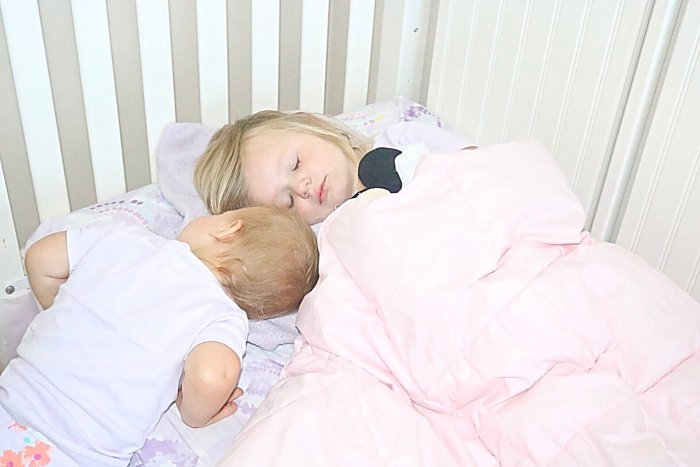 Tips + Tricks to maintaining kids bedtime routine, Kids Bedtime Routine for Summer, How to get kids to bed early, How start a bedtime routine
