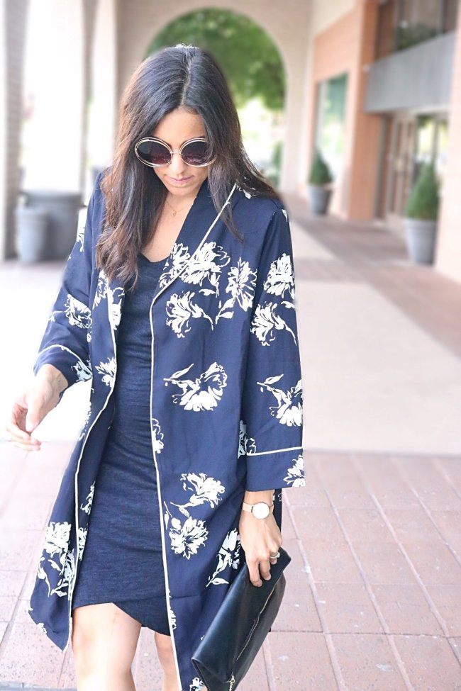 Styling tips for mules and kimonos, how to wear a kimono, kimono outfit ideas, black mules, mules outfit ideas, restricted shoes, fall outfit ideas