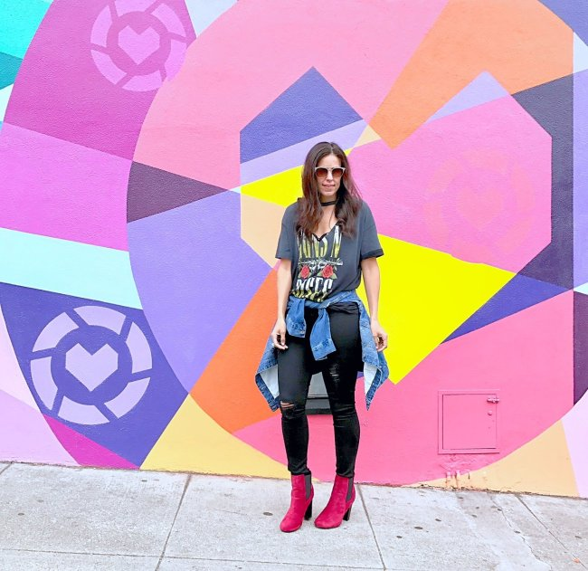 How to style red booties, red booties outfit ideas, styling a band tee, graphic tee outfit, streetstyle, fall fashion, cool weather fashion