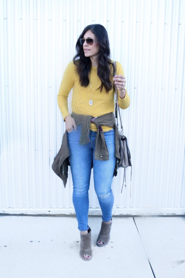 Easy Fall Outfit + My Must Have Item For Fall