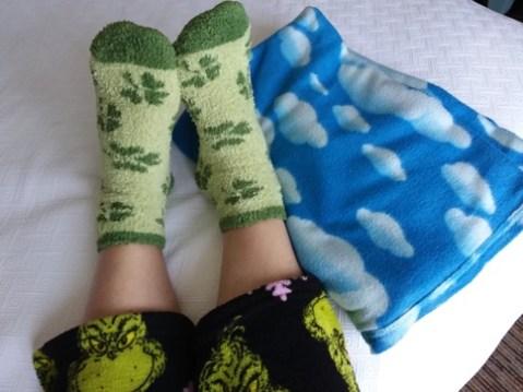 Jammies-Fuzzy-socks-blankie