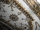 Osa Rooman kapusiiniluostarin ossuaarion huoneista on nimetty luiden mukaan. Rakennuksesta löytyy mm. kallojen krypta, lantioiden krypta sekä jalkojen ja reisiluiden krypta. Koko kirkossa on yli 4000 henkilön jäännöksiä.Kuva: JvL/Flickr CC.