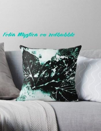 Beispiel eines Folia Mystica Designs erhältlich auf redbubble.com