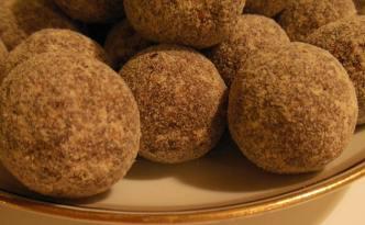 Dadel-appelsin konfekt kugler