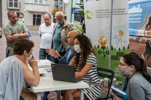 Mobilne Biuro Programu Czyste Powietrze w Kalwarii Zebrzydowskiej - 23 lipca 2020 r. - fot. Andrzej Famielec - Kalwaria 24-02223