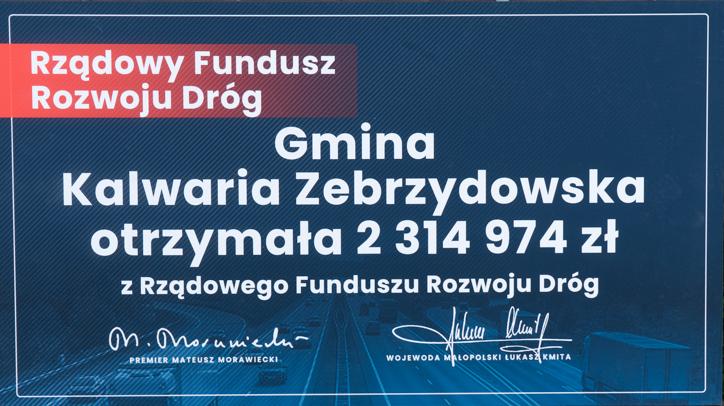Wręczenie symbolicznych czeków z programów rządowych - 29 kwietnia 2021 r. - Dwór w Stryszowie - fot. Andrzej Famielec - Kalwaria 24-02852