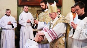 Arcybiskup Marek Jędraszewski udzielił święceń kapłańskich pięciu Bernardynom w Kalwaryjskim Sanktuarium - 5 czerwca 2021 r. - fot. o. Franciszek Salezy Nowak OFM | Biuro Prasowe Sanktuarium