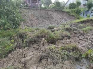 W Łaśnicy (gm. Lanckorona) osunęła się ziemia - fot. nadesłane