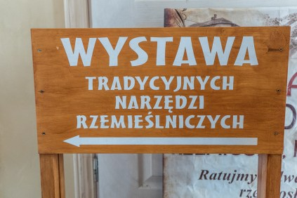 Wizyta półkoloni ze Szkoły Podstawowej w Stanisławiu Dolny w Izbie Rzemiosła - 6 lipca 2021 r. - fot. Andrzej Famielec - Kalwaria 24-05860