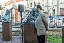 Wernisaż wystawy prof. Karola Badyny w Kalwarii Zebrzydowskiej - 9 sierpnia 2021 r. - fot. Andrzej Famielec - Kalwaria 24-08365