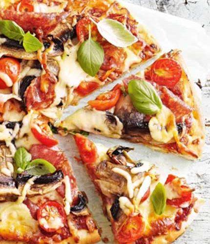 Easy,-cheesy-salami-and-mushroom-pizza