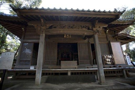 洪鐘の近くにある弁天堂。北条貞時が洪鐘を鋳造した際、あわせて円覚寺に奉納したもの。