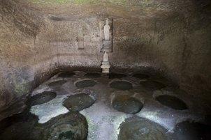 弘法大師が掘られたという十六井戸。