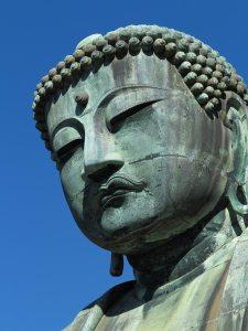 長谷の高徳院にある国宝、鎌倉大仏の御尊顔。