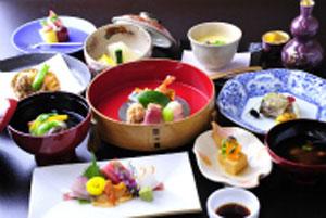 かいひん館鎌倉の懐石料理の一例。相模湾の海の幸、湘南の野菜などが満喫できます