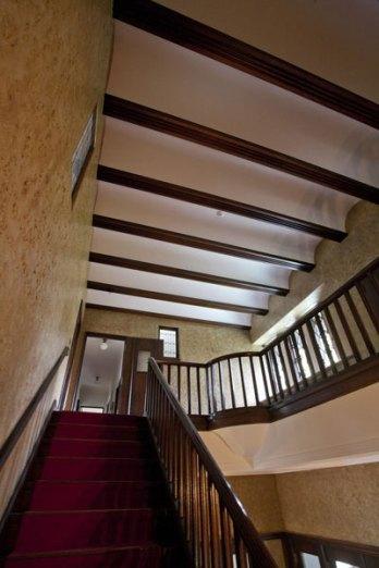 大きな特徴となっている小ヴォールドと呼ばれる天井。
