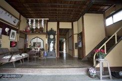 ガラガラ、と中に入ると一瞬にして昭和初期に連れて行かれます。