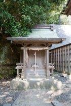 海神社の祠。