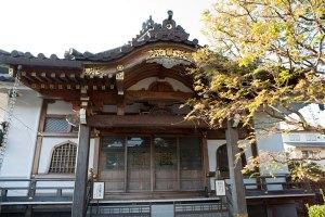 妙隆寺本堂