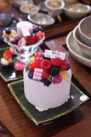 ケーキキャンドルが知られている倉田由美子さんがつくる「亜加梨のあかり」。本物以上に美味しそう。4,320円。