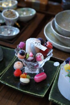 ケーキキャンドルが知られている倉田由美子さんがつくる「亜加梨のあかり」。本物以上に美味しそう。4,860円。