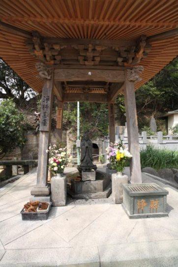 龍口寺の浄行菩薩。日蓮は浄行菩薩の化身ともいわれています。