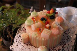 「亜加梨のあかり」のケーキキャンドル。19,980円。