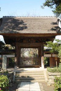 極楽寺。かつては幕府と結びつき広大な寺領を誇りました。
