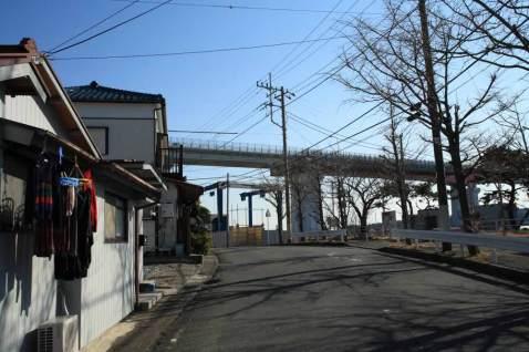 大椿寺の側には城ヶ島大橋が架かっています。