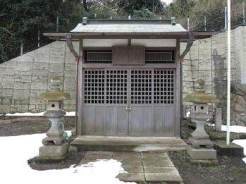 和田義盛旧里跡。お堂も建てられています。