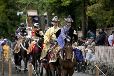 鎌倉まつり、流鏑馬。古式に則った出で立ちは圧倒的な格調。撮影協力:鎌倉市観光協会