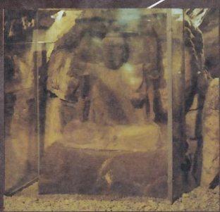 江ノ島、岩屋の石仏。