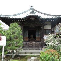 収玄寺本堂。