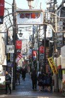 鎌倉で一番賑やかな場所です。