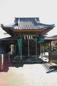 巽神社。小さな社に古の大将軍を偲びます。