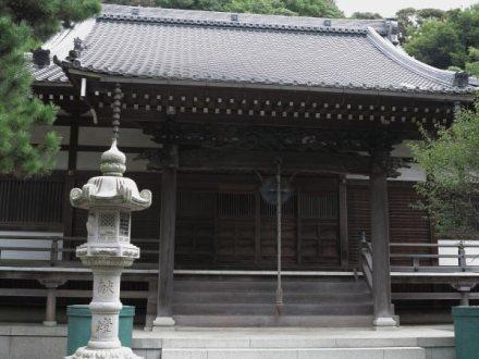 常立寺本堂。
