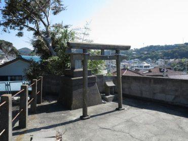淡島神社近くにある龍宮社。