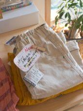 こちらのズボンもとてもかわいらしいです。80〜130cm。